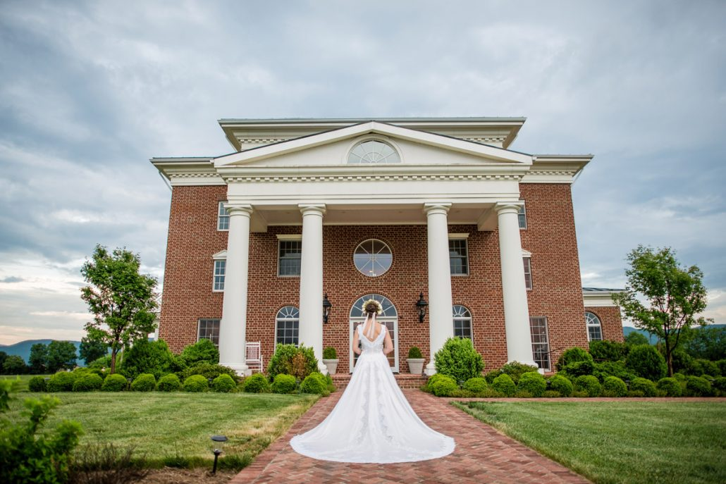 Looking for an indoor outdoor wedding venue in virginia for Indoor outdoor wedding venues